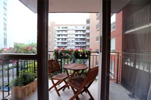 LD_balcony